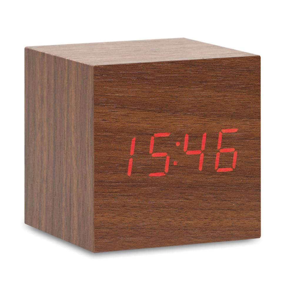reloj sobremesa madera diseno alarma temperatura